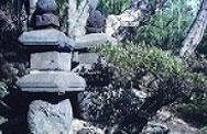 イバドンの墓【三島村指定文化財/墓石群】(黒島片泊)